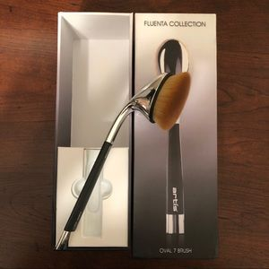Artis Fluenta Oval 7 Foundation Complexion Brush